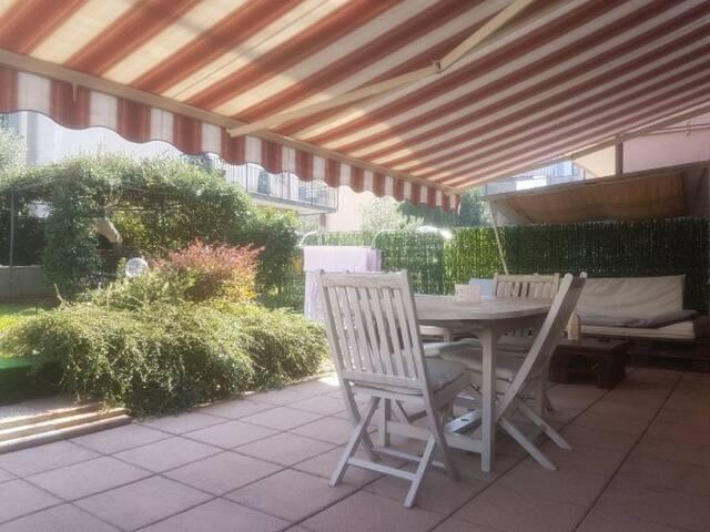 Centralissimo appartamento con giardino