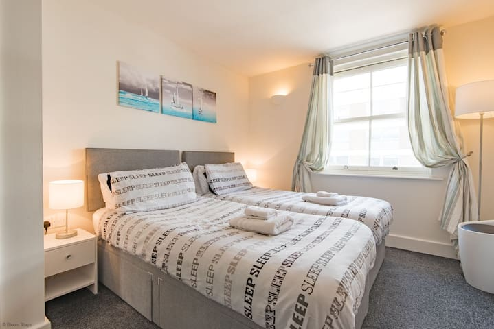 The Contemporary Apartment  - ideal for longer stays