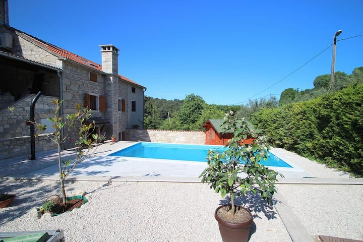 "Villa ""Hena""-for a special holiday"