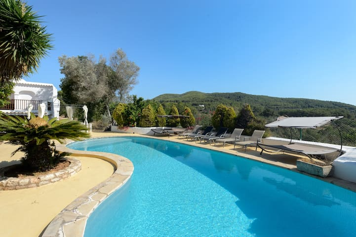 Five bedroom Ibiza style finca near Benirras beach