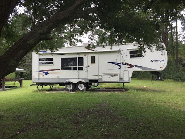 RV Sharing 5 peaceful acres