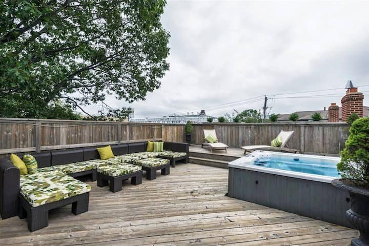 Downtown House-BEST ROOFTOP PATIO&HotTub in HFX