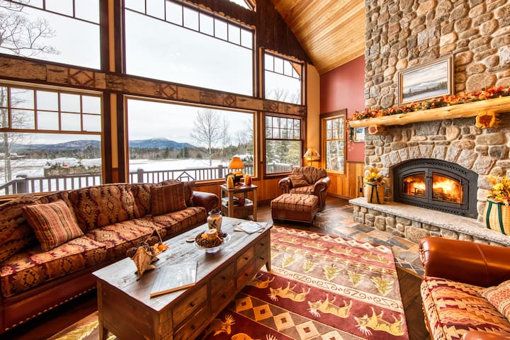 HemLocke Lodge Great Room