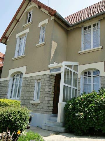 FRONT DE MER, villa 120 m², 7 pers. - Grandcamp-Maisy - วิลล่า