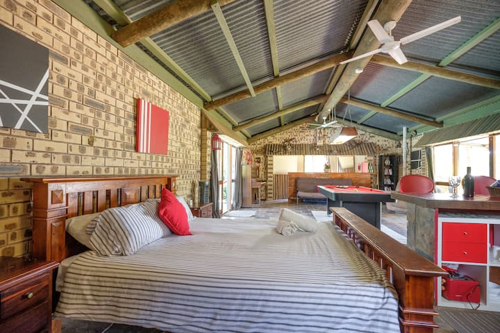 Cosy Rustic Country Cottage Gold Coast Hinterland