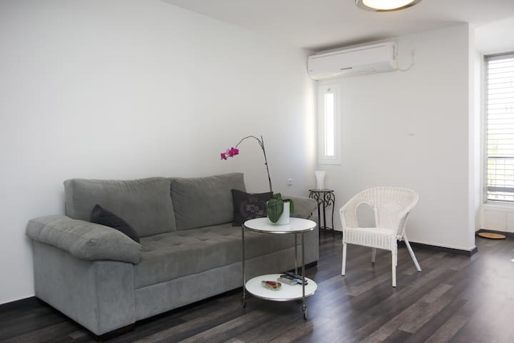 private room, furnished & renovated - Tel Aviv - อพาร์ทเมนท์