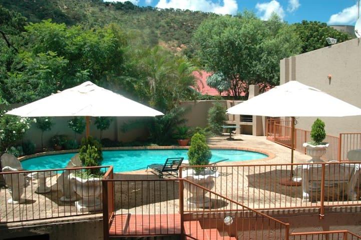 Bed And Breakfast In Rosslyn Pretoria