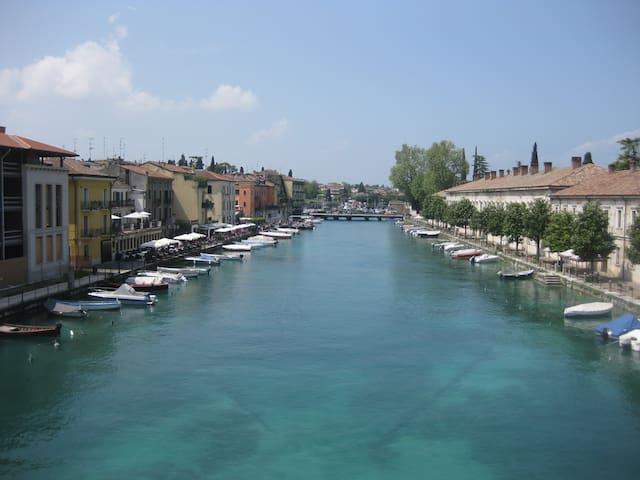 Fiori sull'acqua Apartments - Peschiera del Garda - Apartment