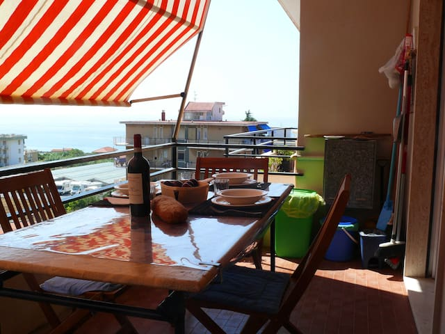 Casa al mare a 150 metri dalla spiaggia - Santo Stefano al Mare - Huoneisto