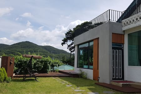 The Private Hotel 'The Bloom House' in Songnisan.