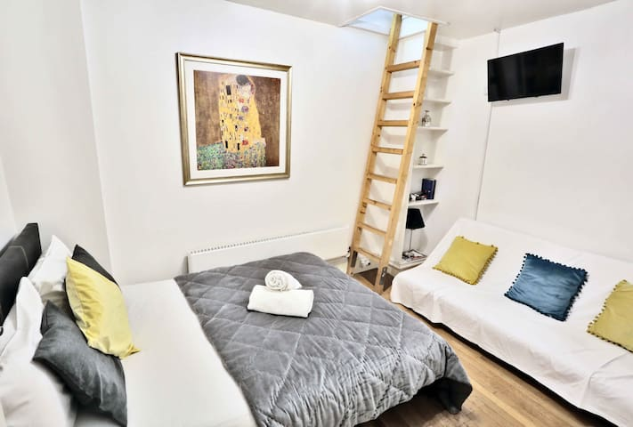 Covent Garden Family room up to 6PPL B