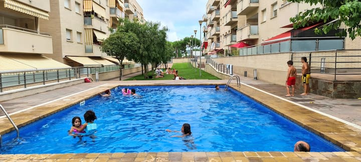 Apartment Valera, 300m from the beach, air conditioning, parking