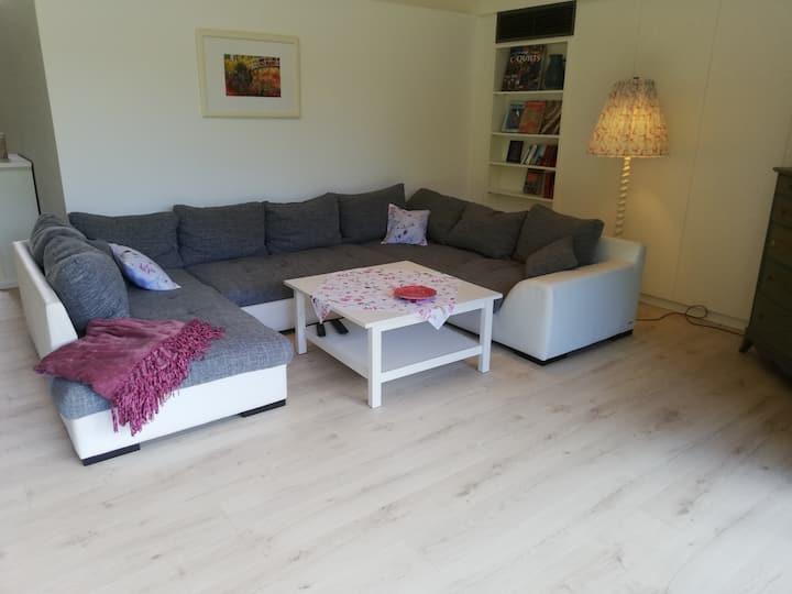 Landhaus-Wohnung mit Loft-Charakter im Grünen