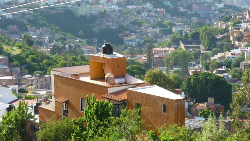 Guanajuato's Best !.... One Person Hideaway