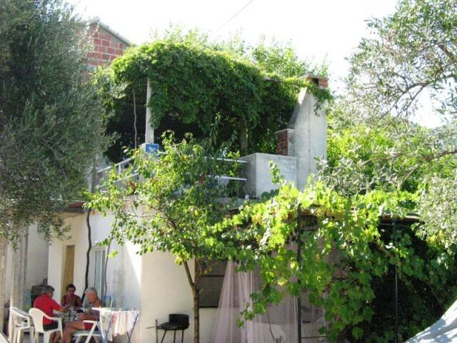 Apartman Vedrana 1 - lovely place