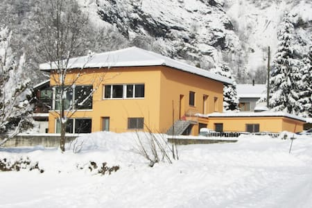 Alpine Apartment in Switzerland - Blenio - Huoneisto