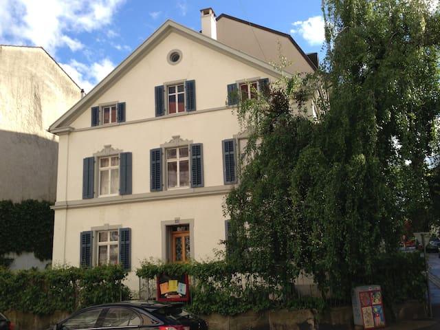Basel: La Belle Maison, room N°1  - Basel - Dom