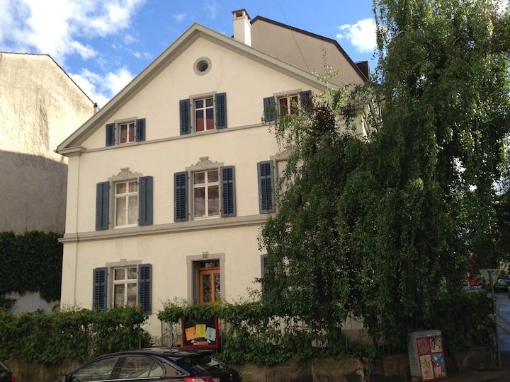 Basel: La Belle Maison, room N°1
