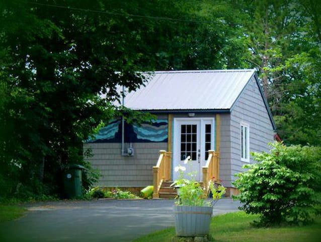 Celtic Waves Cottage, Tatamagouche Main St.