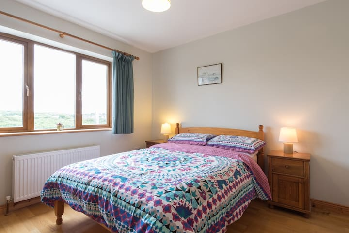 Private double room with en- suite