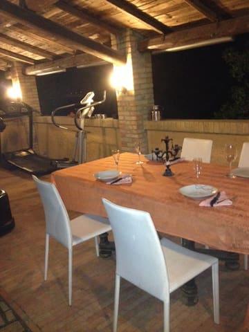 Ritemperare il corpo,cena con pesce, verde intorno - Civitanova Marche - Villa