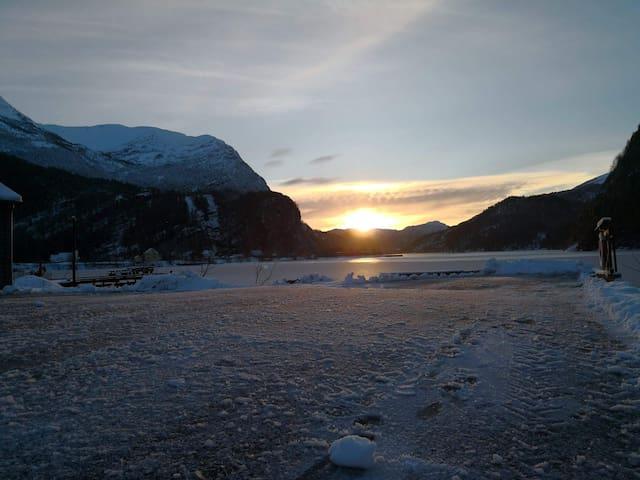 Unser Fjord im Winter.