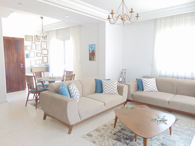 AMAZING FLAT IN HAMMAMET WITH A MODERN TOUCH. - Mrezga - Rumah