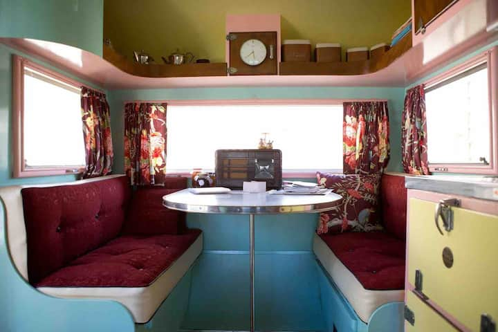 """Amelie"" 1950's Renovated Vintage Caravan Central"