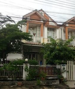 บ้านเช่า หมู่บ้านณัฐกานต์สายไหม 10,000 บาท/เดือน - Bangkok - Stadswoning