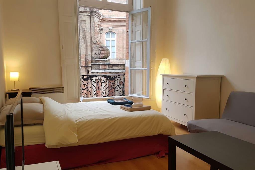 charmant studio toulouse centre quartier carmes appartements louer toulouse occitanie. Black Bedroom Furniture Sets. Home Design Ideas