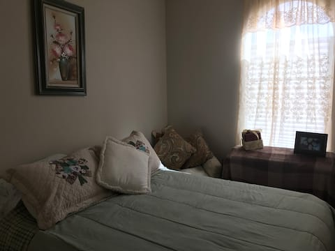 Private Room in Bed and Breakfast in Rio Vista