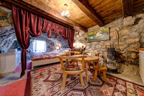 Authentic Countryside Ap in Breathtaking Area