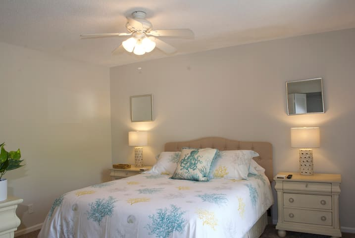 Front bedroom with queen size bed