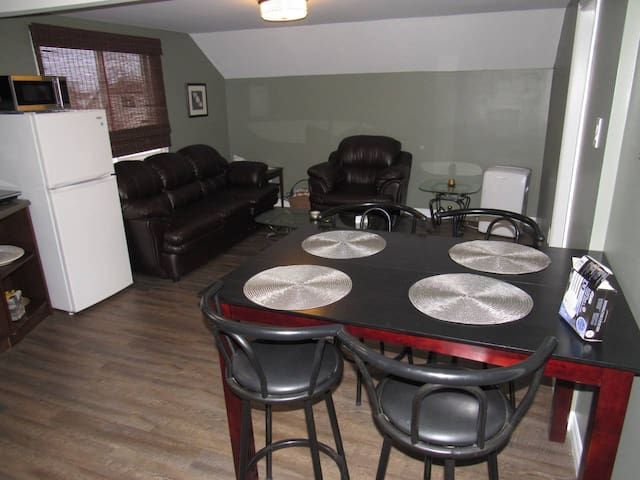Central Niagara - 1 Bedroom