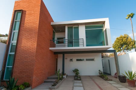 Clean and quiet beautiful modern house in Ensenada