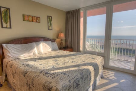Lovely Beachfront Stateroom!  Fabulous View.  Fabulous Beach!! - Treasure Island