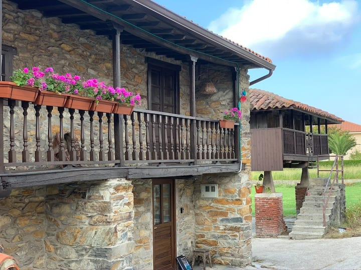"Casa Tipica Asturiana "" Caserío Albuerne"""