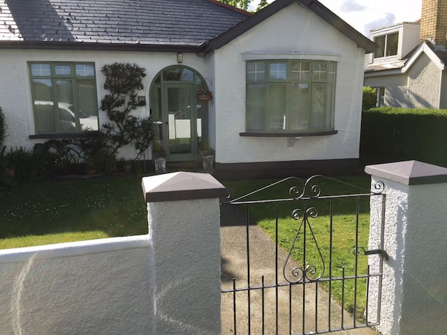 Kate's Cottage, prime location in Newcastle