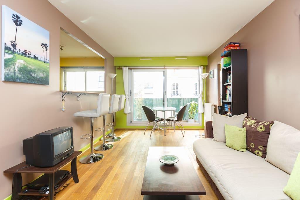 Cosy living-room // Salon cosy // 舒适的起居室