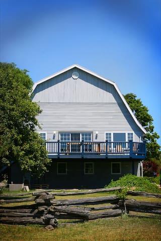 Old Dairy Barn at Sandbanks-Hayloft