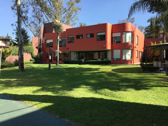 Habitación muy personal en una sorprendente casa - Cuautitlán Izcalli