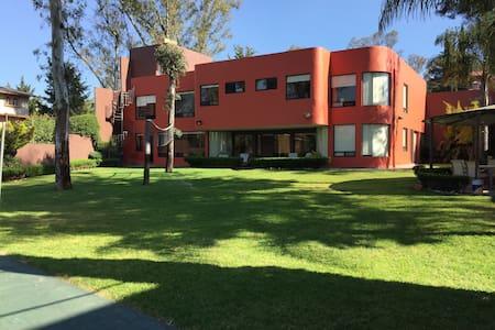 Habitación muy personal en una sorprendente casa - Cuautitlán Izcalli - Rumah