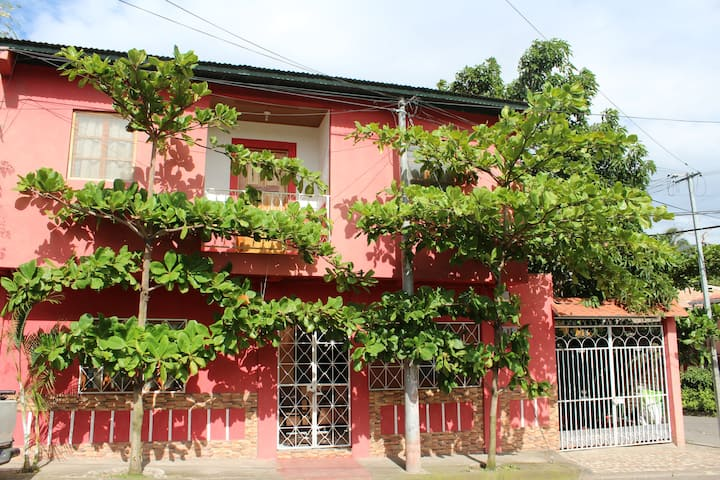Apartamento Flores Zeledon, lugar de bendicion