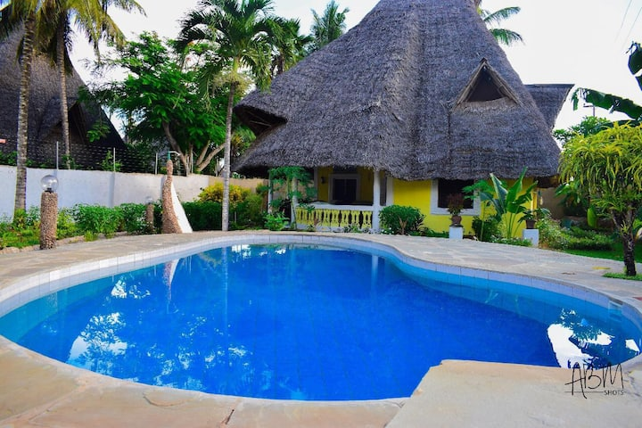 DIANI BEACH VILLAS  (NXT TO DIANI BEACH) PURE FUN!