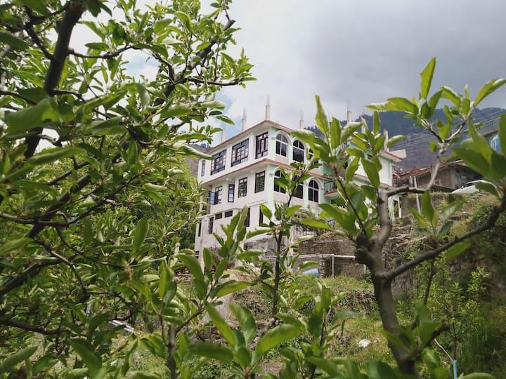 Krishna homestay  sarahan best  deluxe rooms