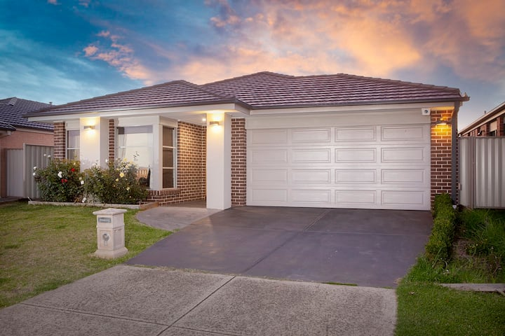 Homely Getaways in Central Pakenham - Pet Friendly