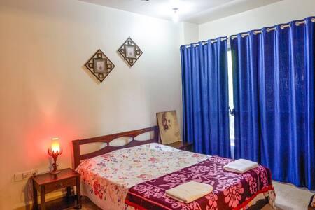 Cosy room in serene Koregaon Park - Apartment