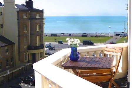 Bright Seaview Balcony 1 min beach - 霍夫