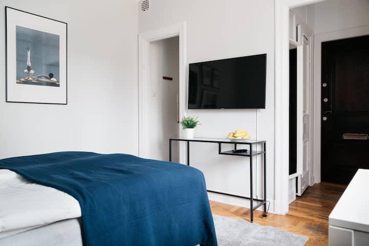 Modern Studio in Top Location *Renovated 2019*