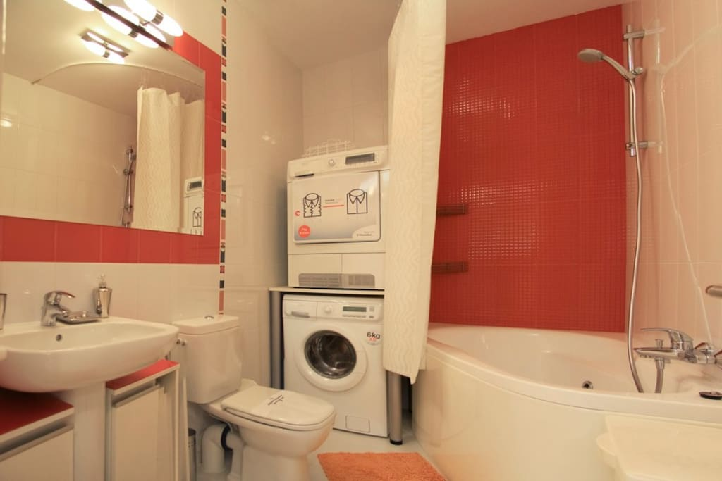 Bathroom (with bathtub, washing machine, dryer)